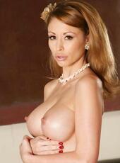 Big Boobs Nude Pics